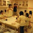 病院の新生児室(ジョンソン&ジョンソン)